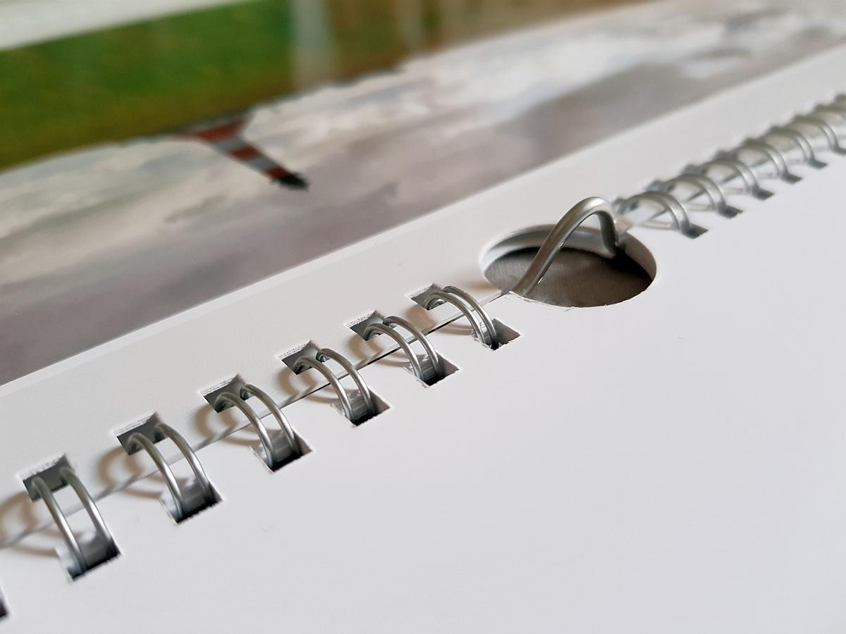 Die Ringbindung bei unserem Testkalender von myphotobook